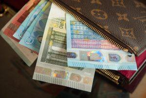 membukan rekening bank di indonesia