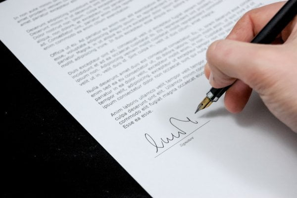 risks when making contract agreements in indonesia