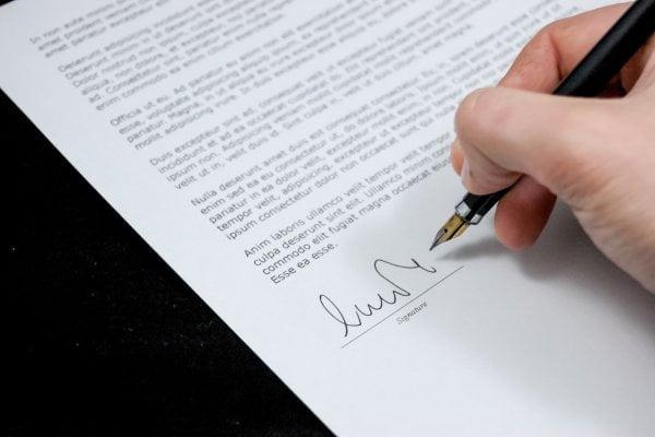 membuat perjanjian kontrak di indonesia