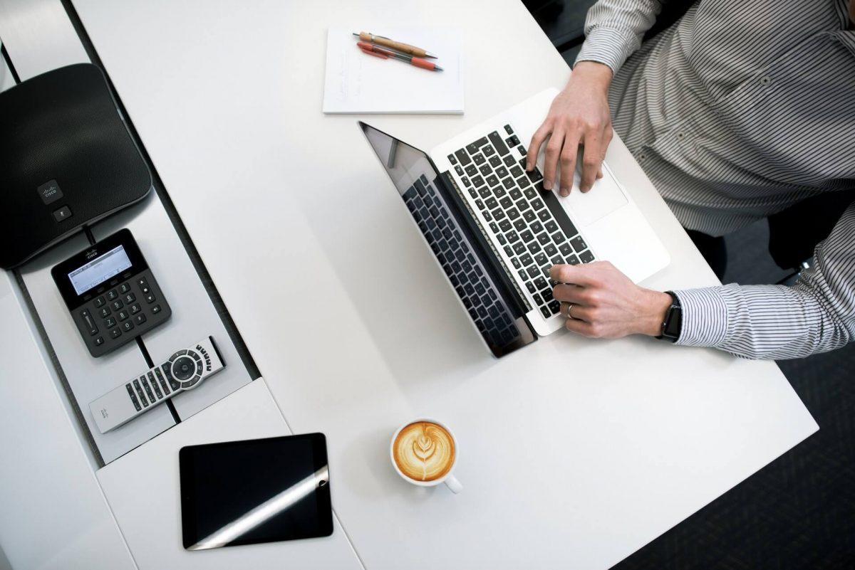 Risiko dan Manfaat Outsourcing Proses Bisnis di Indonesia