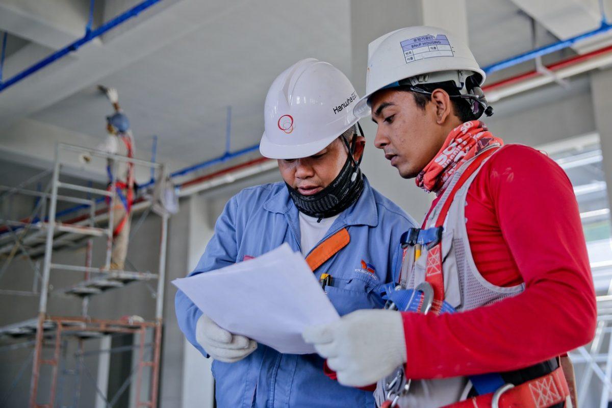 Bagaimana Perusahaan Konstruksi di Indonesia Mempersiapkan Perjanjian Konstruksi