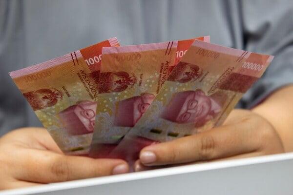 Indonesia Minimum Wage System Based on Omnibus Law